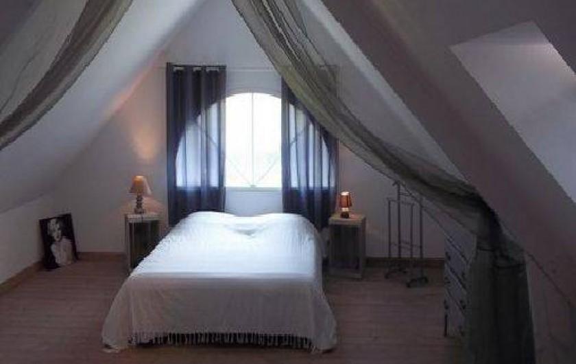 Location de vacances - Villa à Vierville-sur-Mer - La suite avec un lit double et un lit simple.