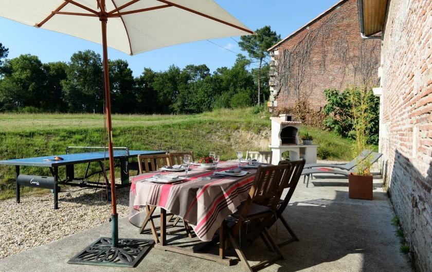 Location de vacances - Gîte à Eygurande-et-Gardedeuil - La terrasse. Gîte de la Guirandole-Eygurande et Gardedeuil-Dordogne