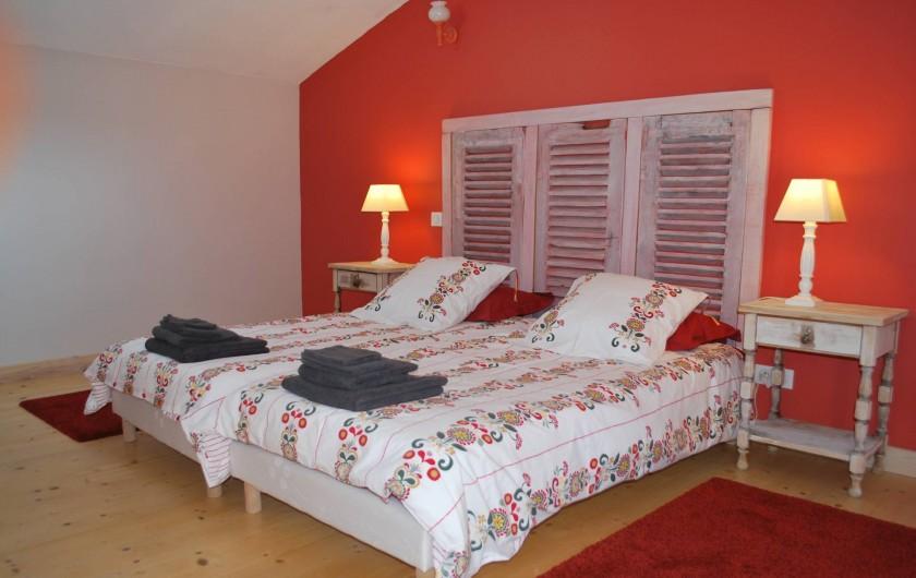 Location de vacances - Gîte à Eygurande-et-Gardedeuil - Chambre à l'étage. Gîte de la Guirandole-Eygurande et Gardedeuil-Dordogne