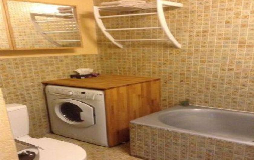 Location de vacances - Appartement à Saint-Raphaël - EQUIPEE DE LAVE LINGE SECHE LINGE