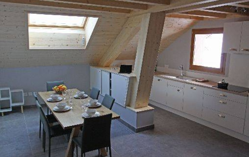 Location de vacances - Gîte à Annecy - Salle à manger et cuisine