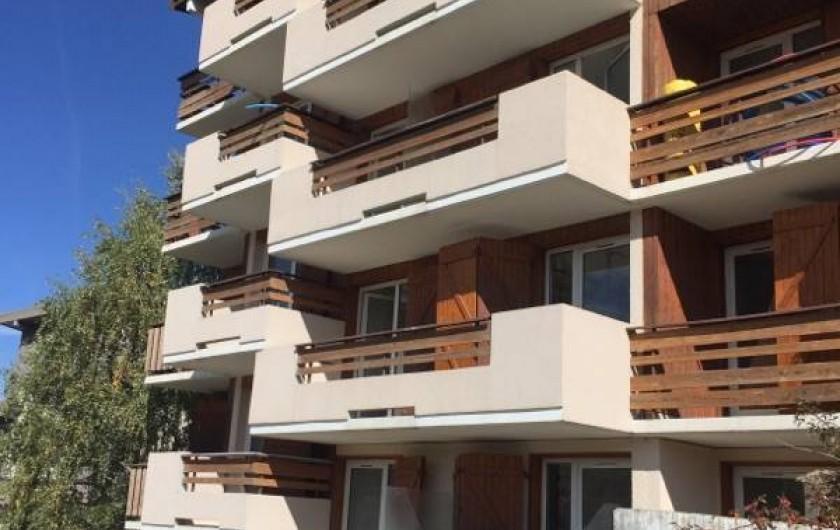 Location de vacances - Appartement à Les Deux Alpes - Façade de la résidence coté sud