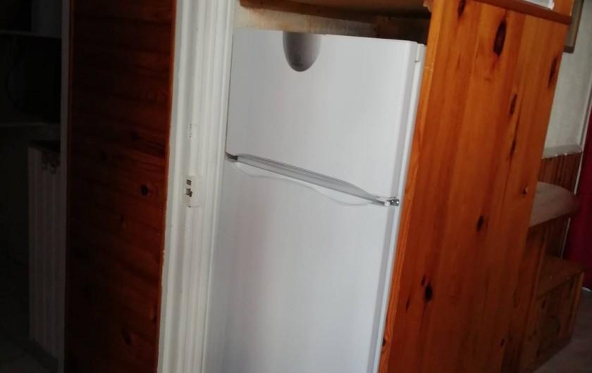 Location de vacances - Appartement à Le Mont-Dore - Réfrigérateur congélateur.