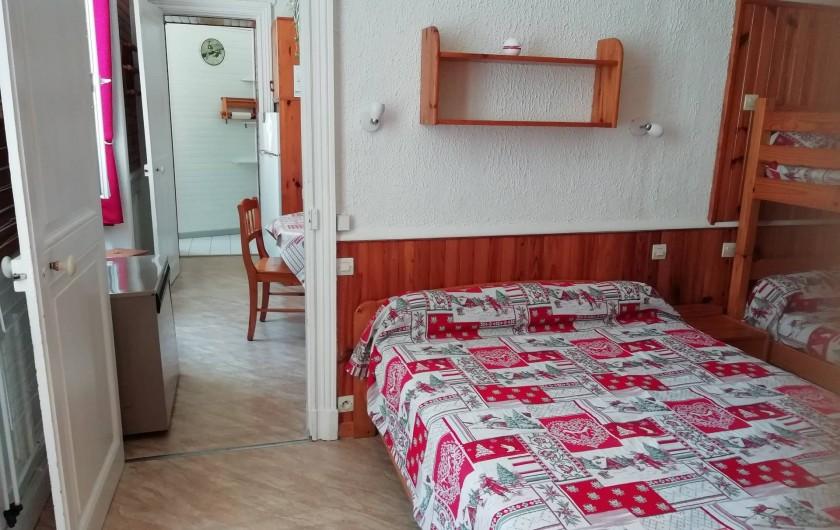 Location de vacances - Appartement à Le Mont-Dore - Chambre lit de 2 pers. 2 lits superposés 1 pers.