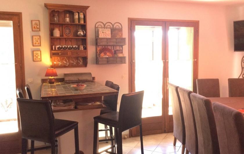 Location de vacances - Chalet à Barcelonnette - Coin repas enfants.