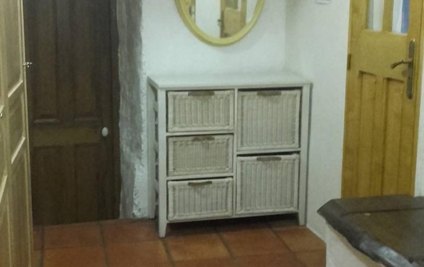 Location de vacances - Villa à Saignon - entrées chambre, salle de bains