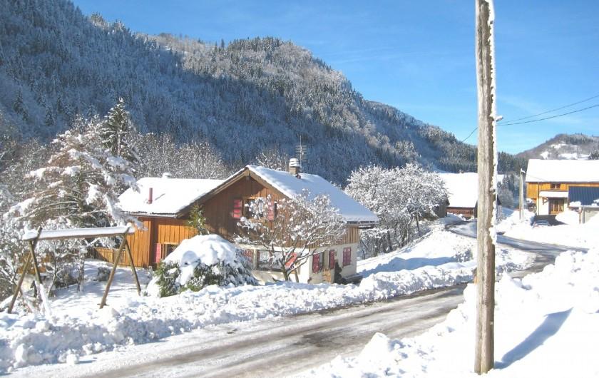 Location de vacances - Chalet à Bellevaux - Chalet Val d'Enfer        en hiver