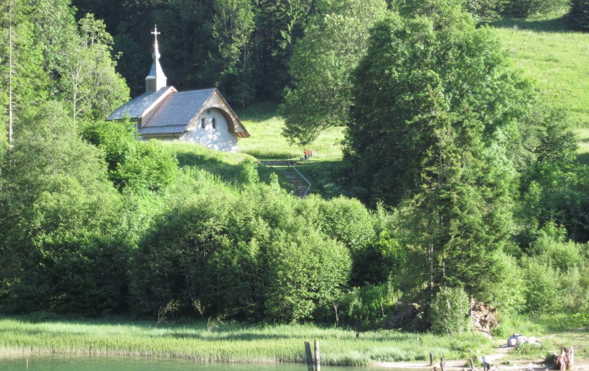 Lac de vallon et Chapelle St Bruno