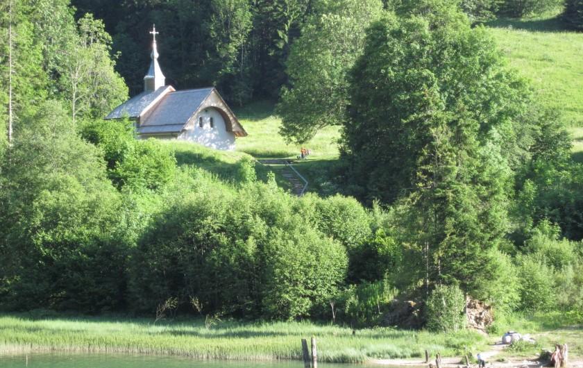 Location de vacances - Chalet à Bellevaux - Lac de vallon et Chapelle St Bruno