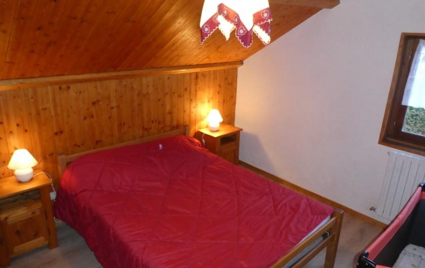 Location de vacances - Chalet à Bellevaux - Cbre 2 Sud   Coté village  avec  lit enfant