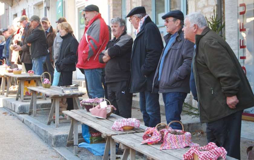 Location de vacances - Villa à Lalbenque - la bonne gastronomie? Lalbenque pays de la truffe et région du bon vin!