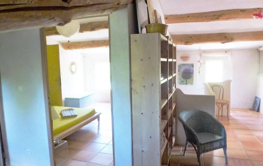 Location de vacances - Villa à Saignon - couloir étage