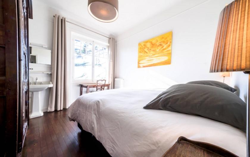 Location de vacances - Villa à Dinard - Chambre 1 - Lit 1.80 m