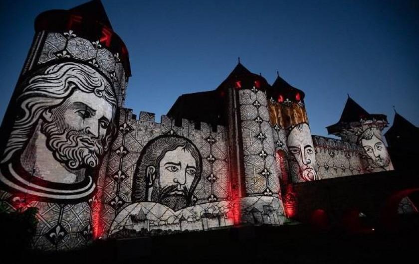 Location de vacances - Insolite à Villedubert - Spectacle nocturne aux remparts de Carcassonne