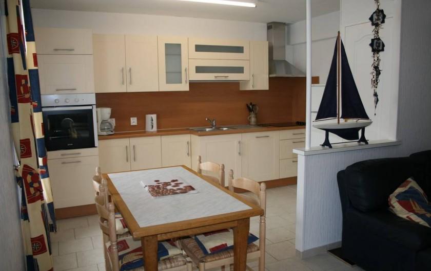 Location de vacances - Appartement à Wissant - coin repas et cuisine