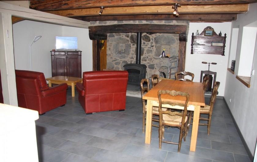 Location de vacances - Gîte à La Tour-d'Auvergne - Salon Rez de jardin
