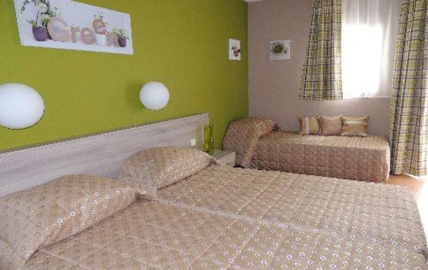 studio meubl dans r sidence de tourisme thonon les bains en haute savoie dans les alpes. Black Bedroom Furniture Sets. Home Design Ideas