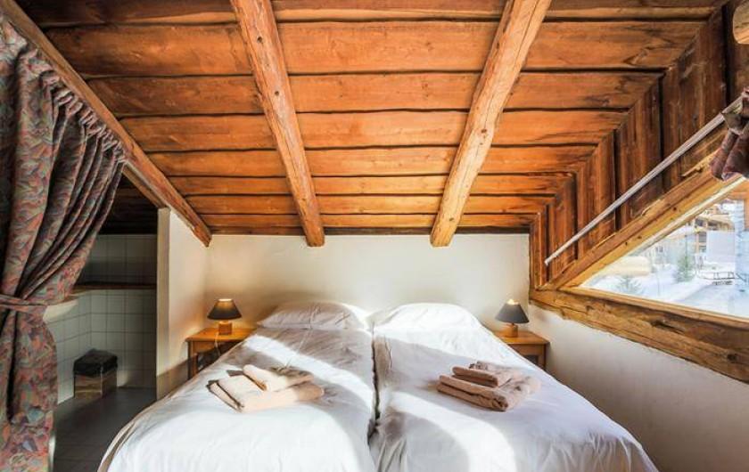 Location de vacances - Chalet à Mâcot-la-Plagne - Chambre 5 personnes