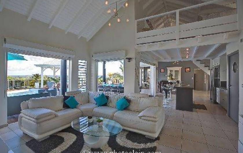 Villa d 39 architecte face la mer avec maginifique for Decoration maison guadeloupe