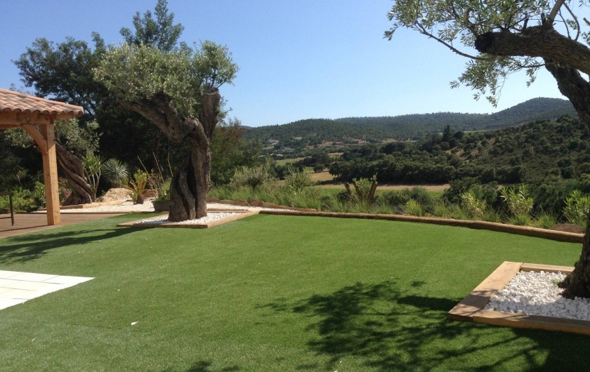 Location de vacances - Villa à Bormes-les-Mimosas - vue dégagée colline
