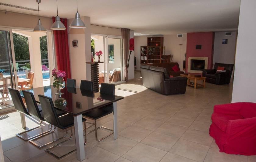 Location de vacances - Chambre d'hôtes à Lorgues - Salle à manger / Salon