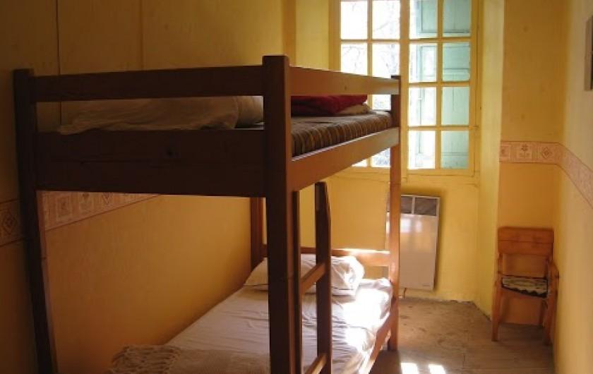 Location de vacances - Maison - Villa à Embrun - Chambre savane 2x2 lits simples superposés
