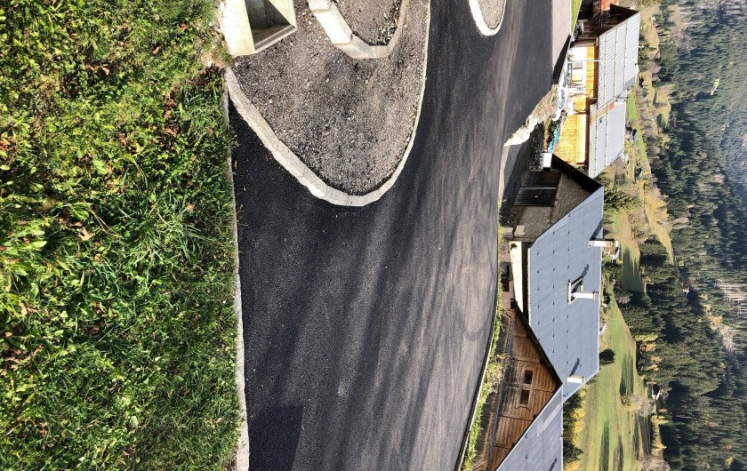 Location de vacances - Appartement à Hauteluce - Devant chalet parking