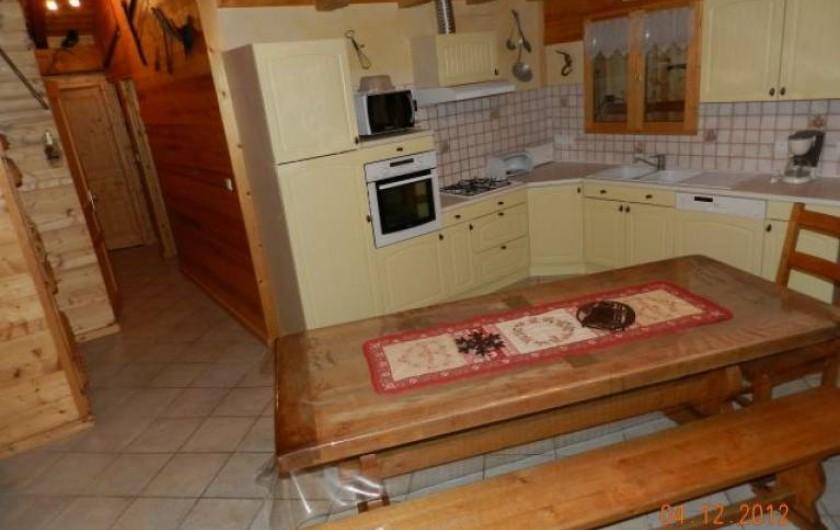Location de vacances - Appartement à Hauteluce - Pièce de vie salle à manger avec cuisine