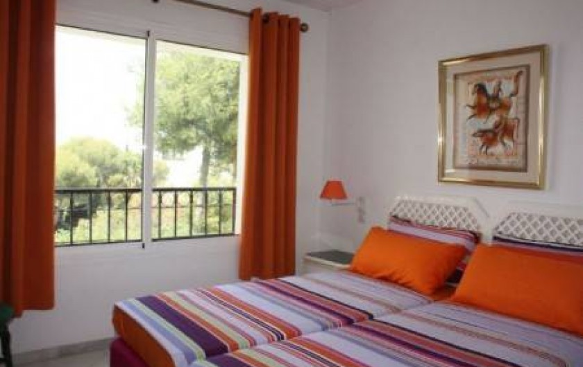 Location de vacances - Appartement à Malaga - bedroom 1 (there is now a new boxspring XL)