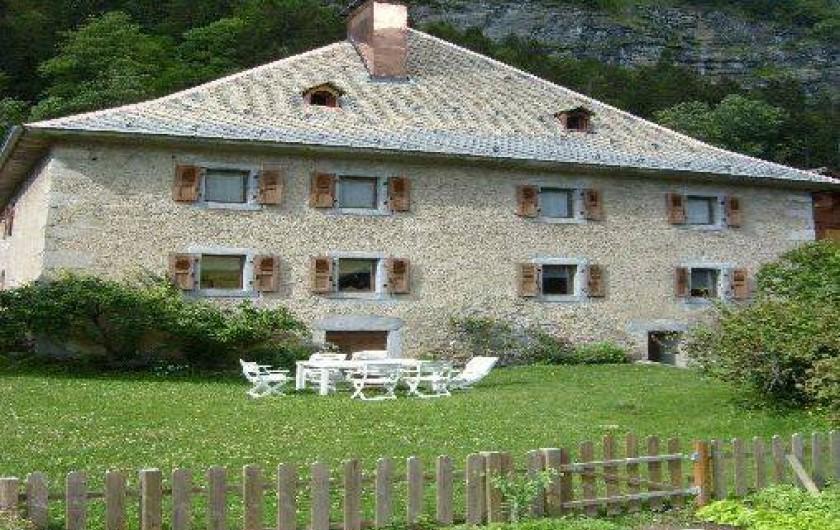 Location de vacances - Appartement à Morzine - Le château de face