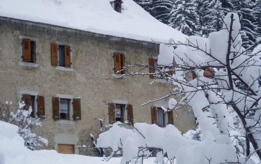 Location de vacances - Appartement à Morzine - le château en hiver