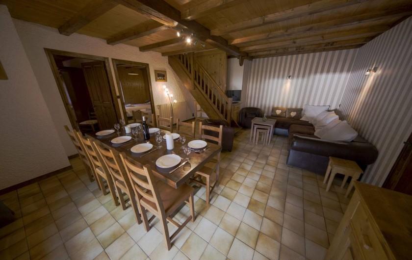 Location de vacances - Appartement à Morzine - Coin salon ABRICOTINE