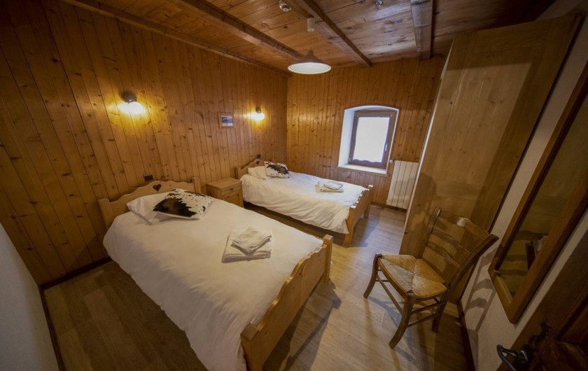 Location de vacances - Appartement à Morzine - 1ère chambre ABRICOTINE 2 lits 1 personne