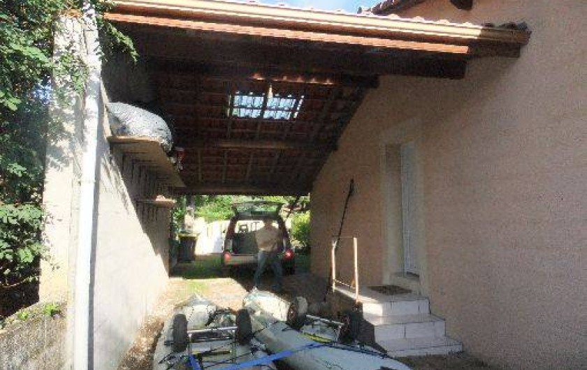 Location de vacances - Villa à Lacanau - abri couvert voiture