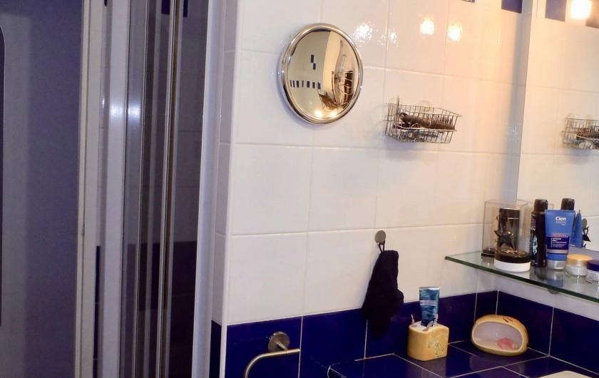 Location de vacances - Villa à Muret - salle de bain, la douche