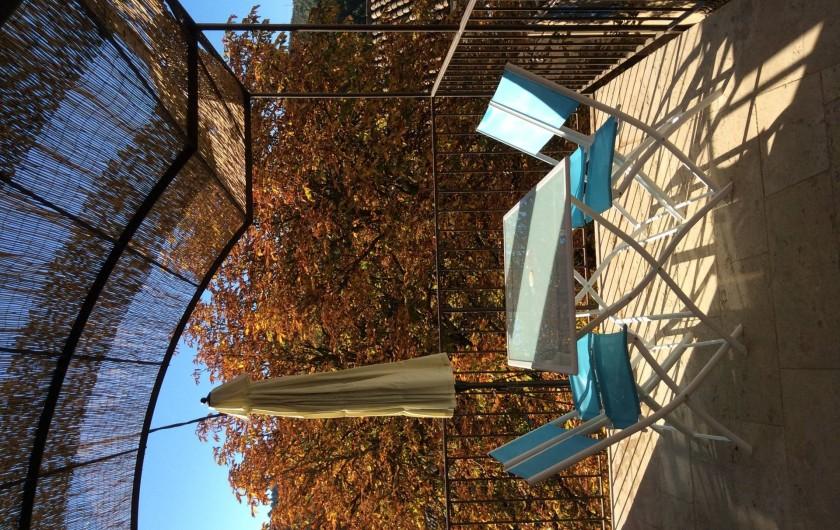 Location de vacances - Chalet à Saint-Martin-de-Brômes - la terrasse