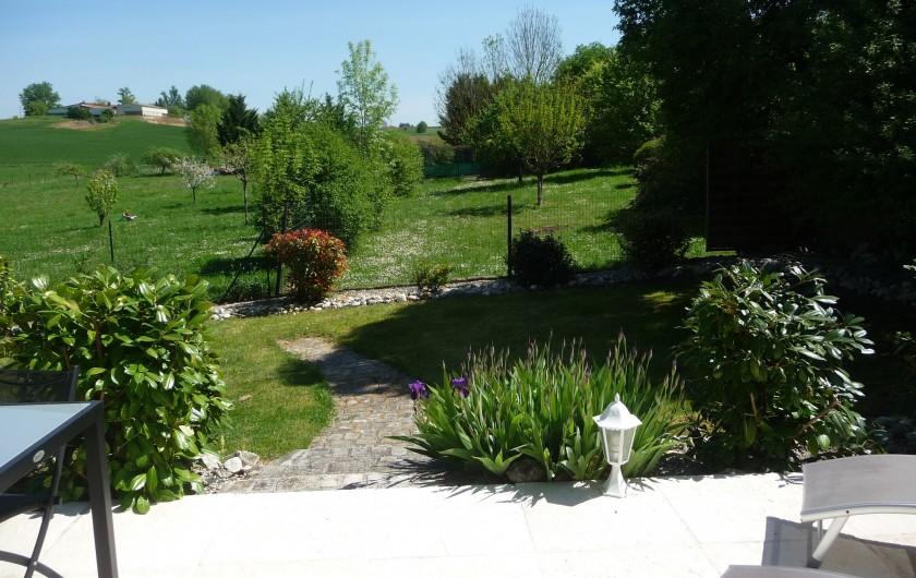 """Location de vacances - Gîte à Labastide-de-Lévis - Jardin Gîte """"Pastel"""""""