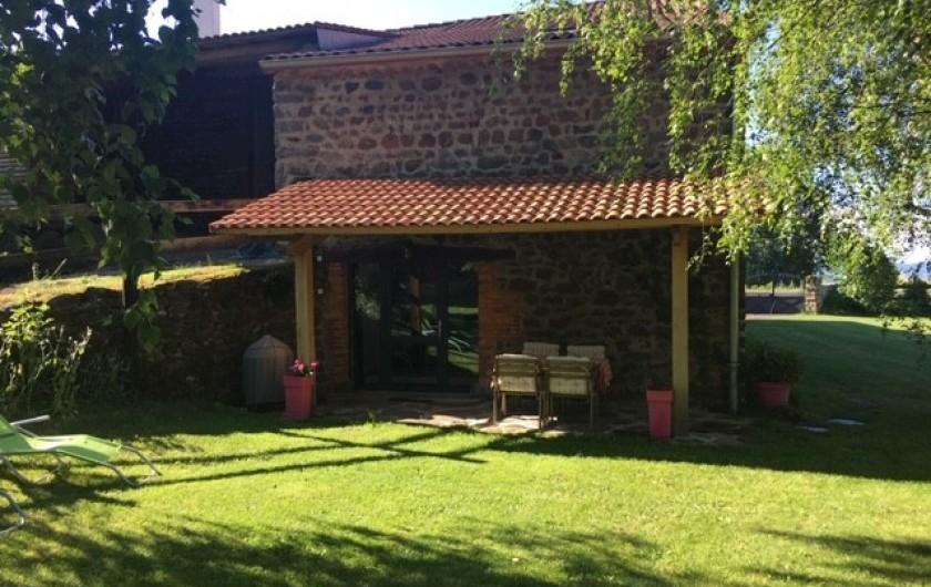 Location de vacances - Gîte à Vailhac - terrasse couverte