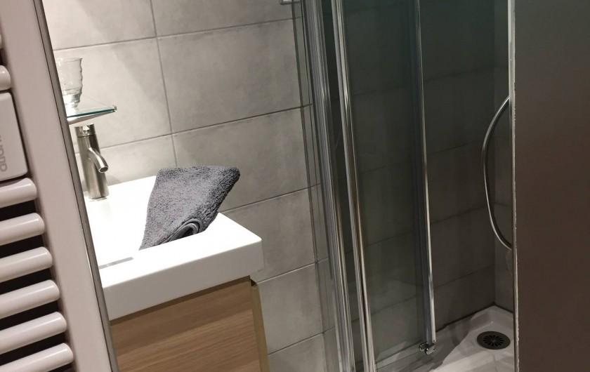 Location de vacances - Appartement à Sainte-Foy-Tarentaise - Salle de bain chambre N°2