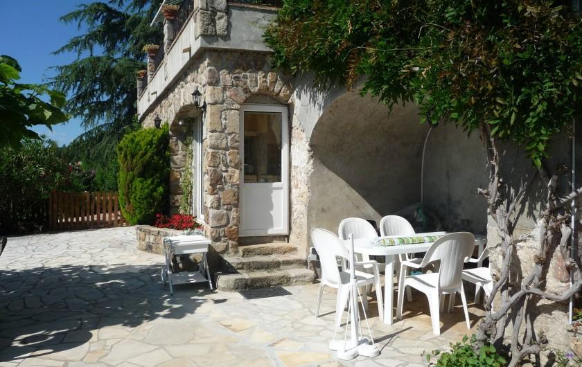 Location de vacances - Appartement à Mercuer - entrée cuisine