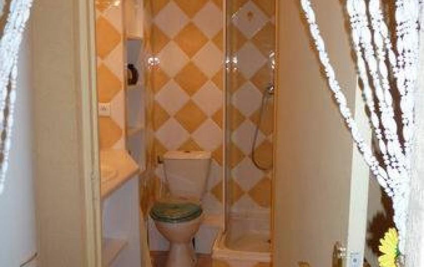 Location de vacances - Appartement à Mercuer - cabinet de toilette