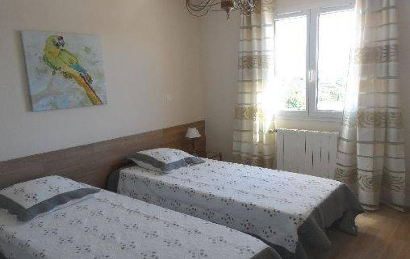 Location de vacances - Villa à Les Issambres - chambre lit 160 ou 2 de 80 1er étage avec grands rangements