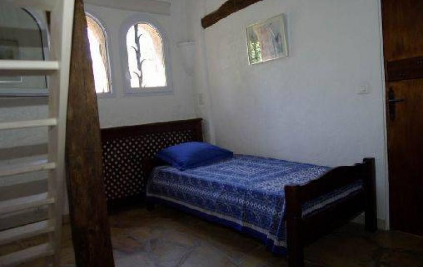 Location de vacances - Villa à Roquefort-les-Pins - Chambre 2 mezzanine lit 1 place