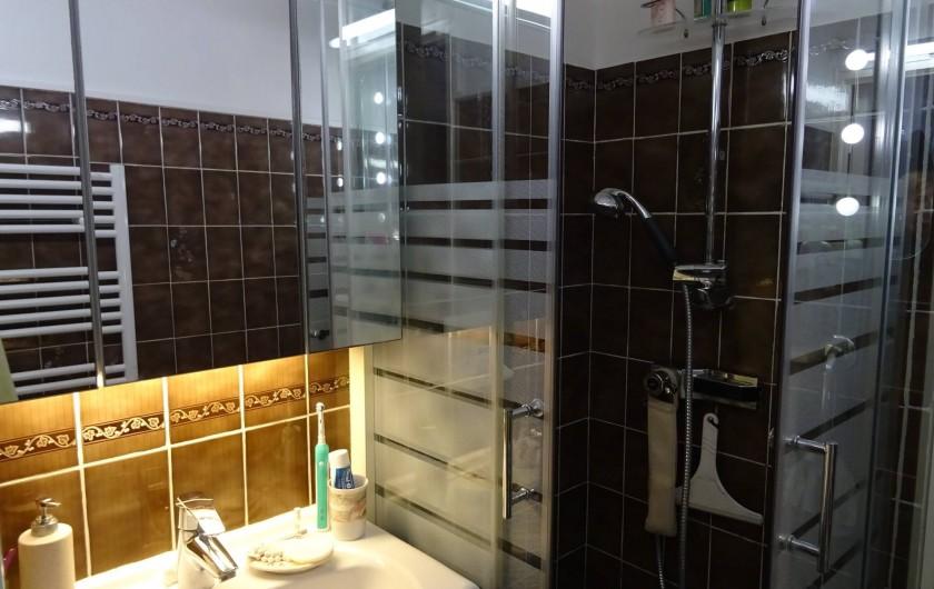 Location de vacances - Appartement à Saint-Aygulf - Salle d'eau