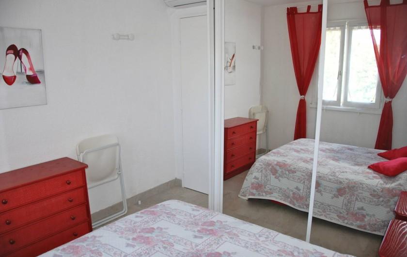 Location de vacances - Appartement à Saint-Aygulf - Chambre à coucher lit de 1,40