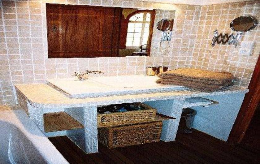 Location de vacances - Villa à Hyères - SALLE DE BAIN AVEC WC