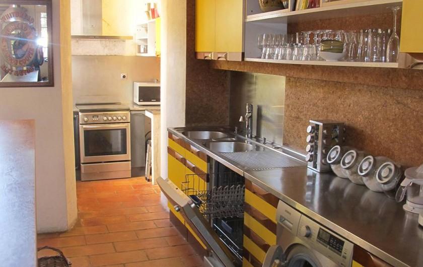 Location de vacances - Villa à Hyères - CUISINE À L'AMÉRICAINE