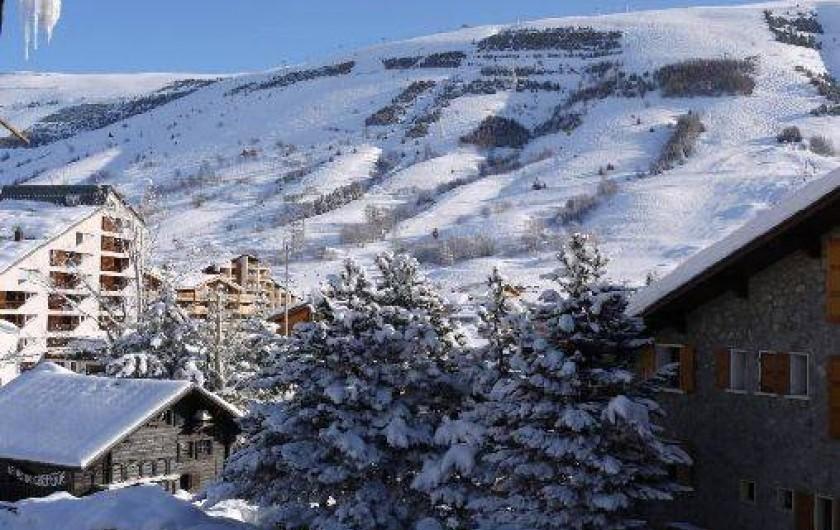 Location de vacances - Appartement à Les Deux Alpes - VUE EST SUR LES PISTES