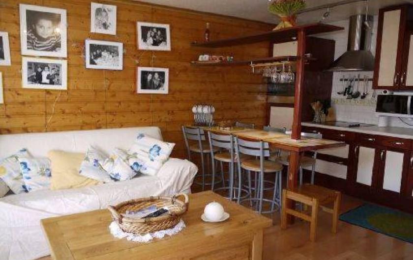 Location de vacances - Appartement à Les Deux Alpes - VUE D'ENSEMBLE cuisine/salon