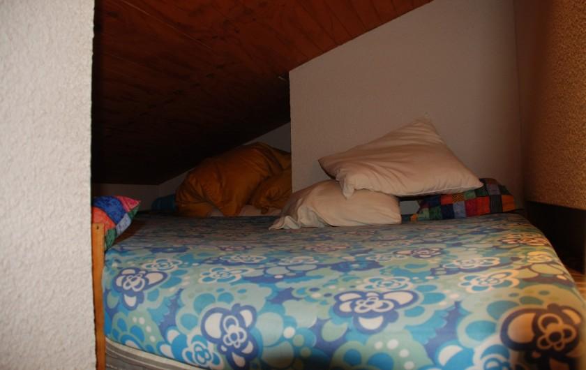 Location de vacances - Appartement à Ax-Bonascre (le Saquet) - Le lit de la mezzanine